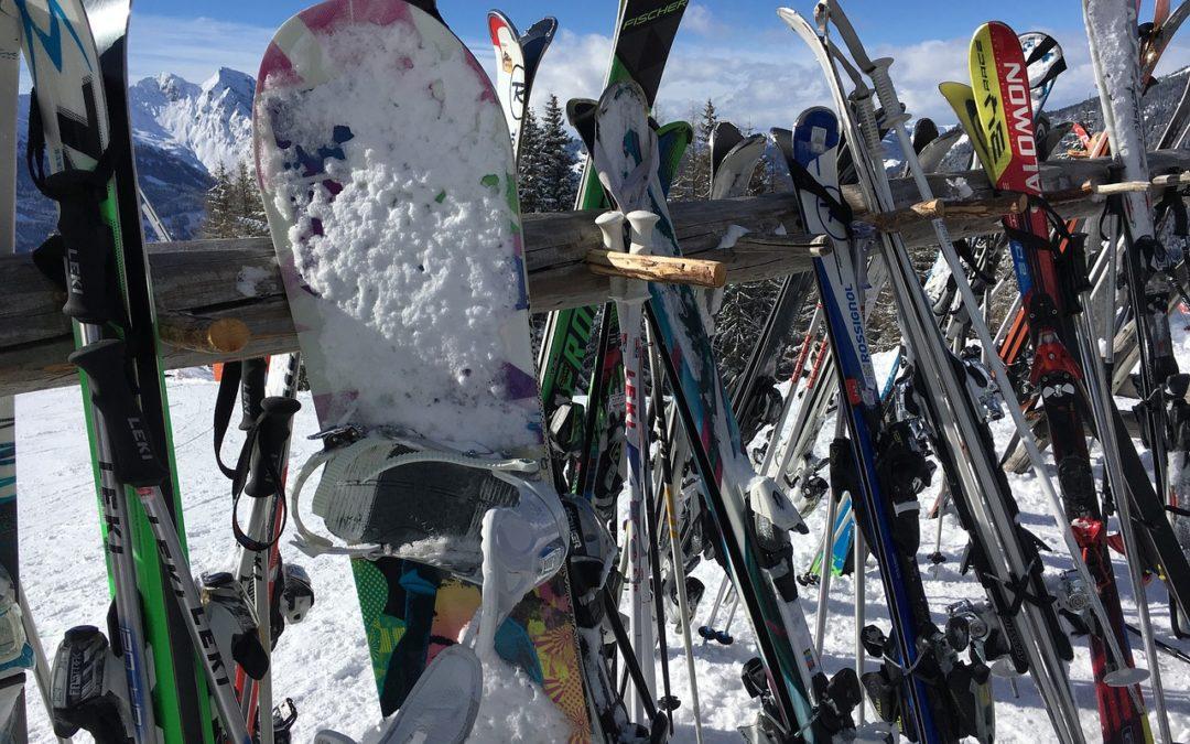NARTY/SNOWBOARD – wypożyczenie sprzętu